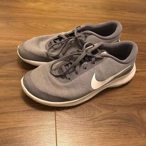 Nike Shoes - Nike Flex Experience RN 7 sneakers